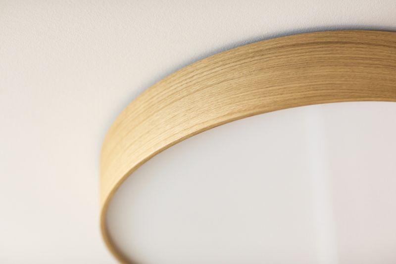 drevené kruhové svietidlo