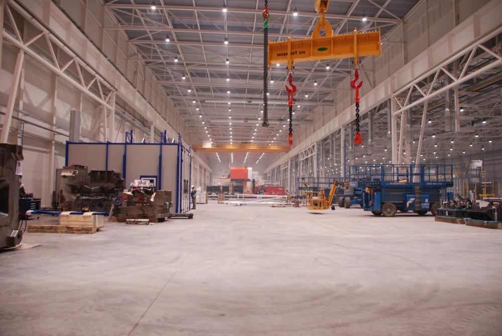 priemyselne led svietidla 220W v hale 4